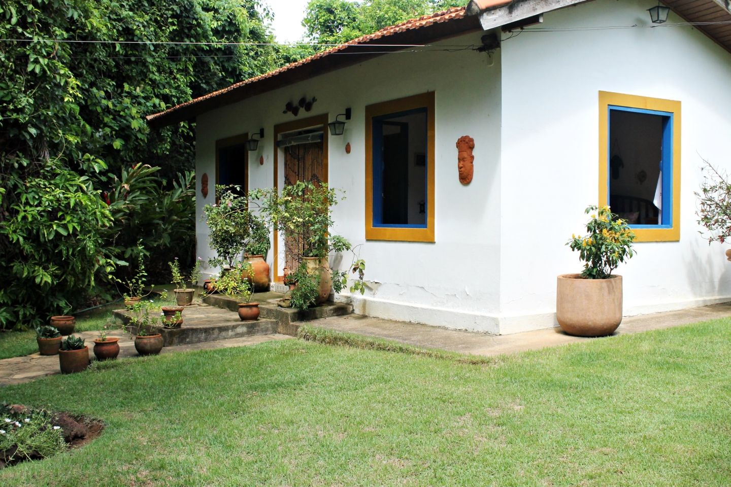 Anuncios in Houses and Land